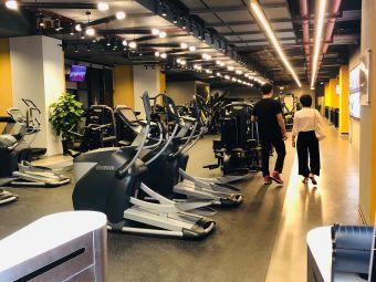 M-FITNESS健身俱乐部