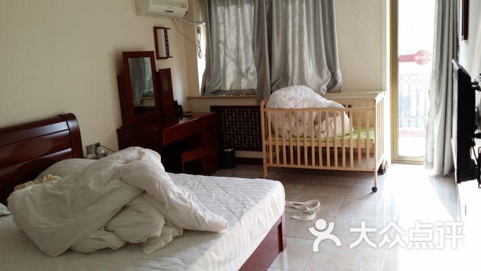 丰台南宫97号温泉别墅私汤庭院-二楼卧室图片-北京