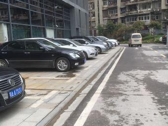 ifc国际金融中心停车场