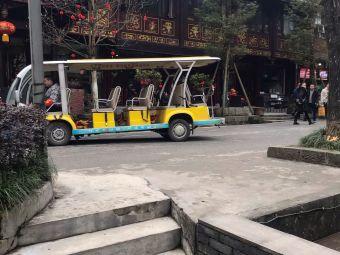 泰安古镇停车场