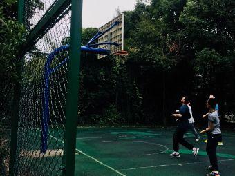 风情梁溪河篮球场
