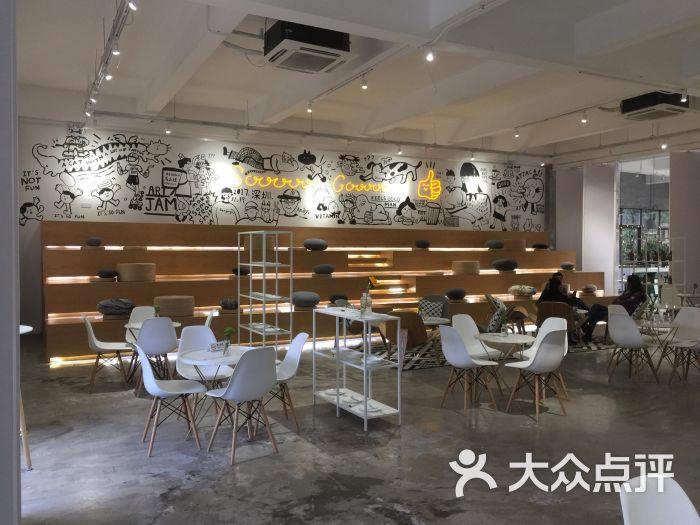 akimbo cafe深圳_深圳万象城 line cafe_akimbo