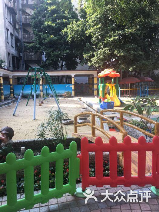 第二幼儿园停车场图片 - 第1张