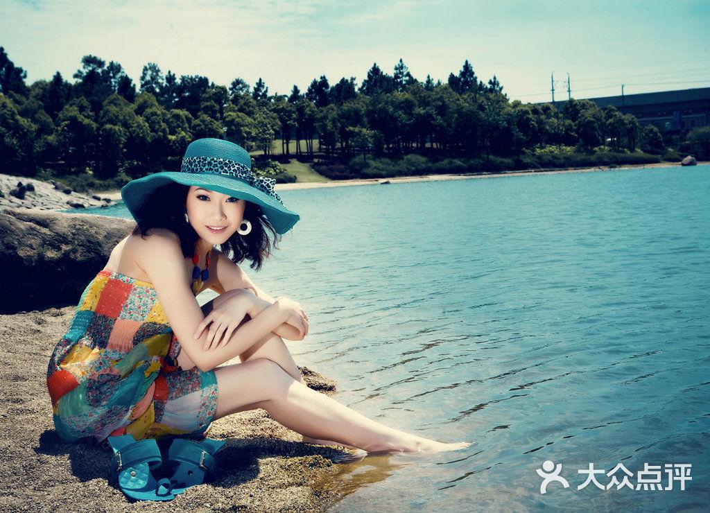 小薇时尚婚纱摄影