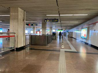 黃陂南路地鐵站