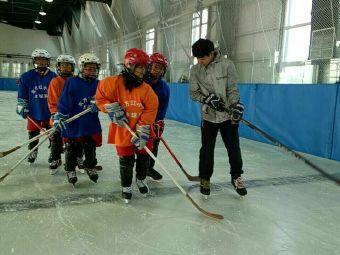 蓝焰冰球俱乐部