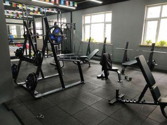 畅丰体育健身中心