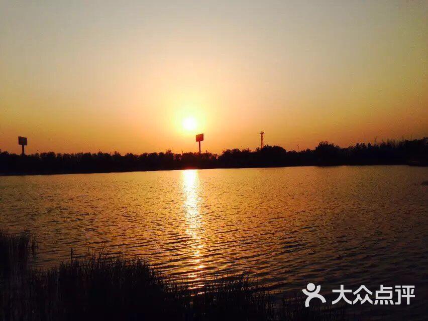 山东济阳澄波湖风景区停车场
