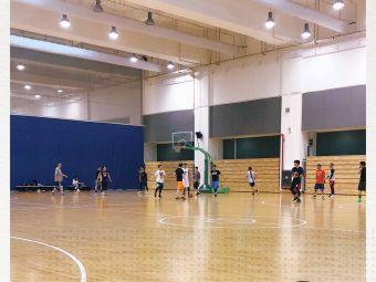 東方體育中心籃球場