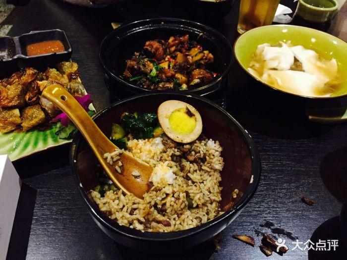 电视台美食频道宣传说很好吃,在创意仓库玩.渝北重庆美食城图片