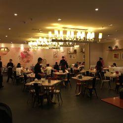 青年餐厅的图片