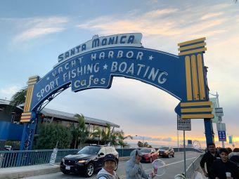 Santa Monica Pier Parking Lot