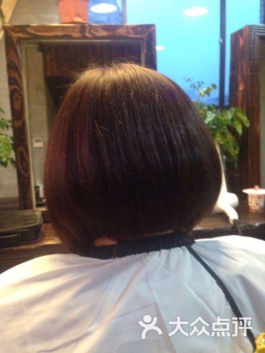 艺秀阁发型设计(长寿路店)的点评图片