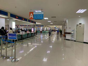 江门市人民政府行政服务中心停车场