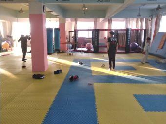 大庆宏伟搏击散打拳击训练基地
