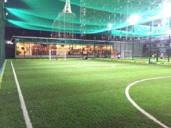 空中踢球吧(宝龙城市广场店)