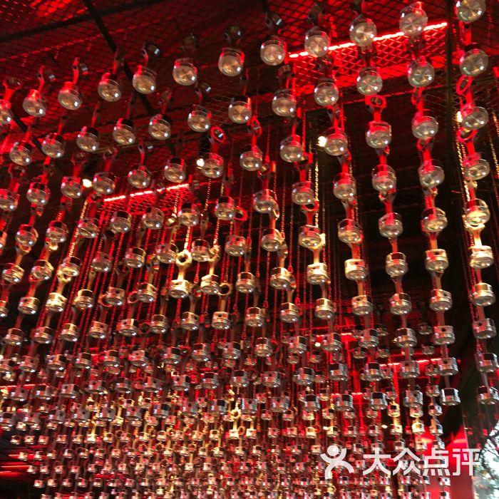 1886汽车主题德国餐厅红色水果羹图片-北京西餐-大众