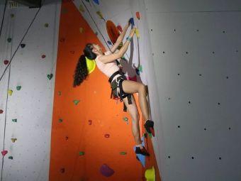 挑战者攀岩运动体验馆