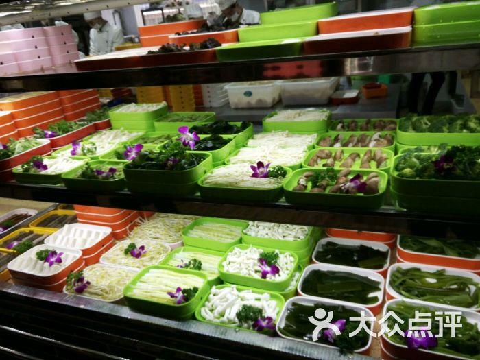 食在川西坝子鲜菜火锅菜品新鲜 份量十足图片 - 第5张