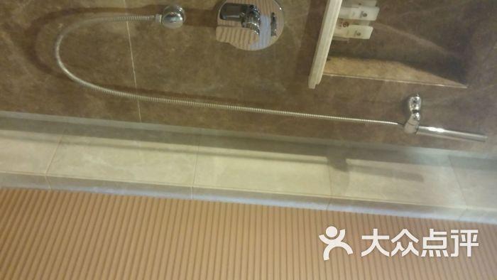 酒店流水灯管电路图