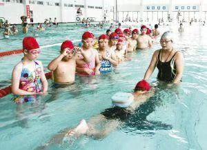 中小学生游泳培训