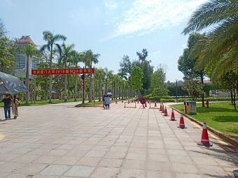 皇庭骏景小区游泳池