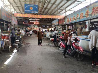 药王山农贸市场停车场