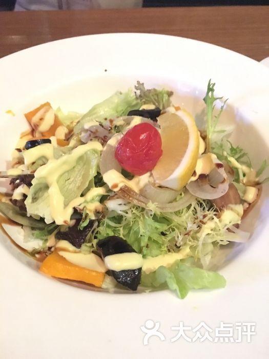 新鲜杂菜沙拉