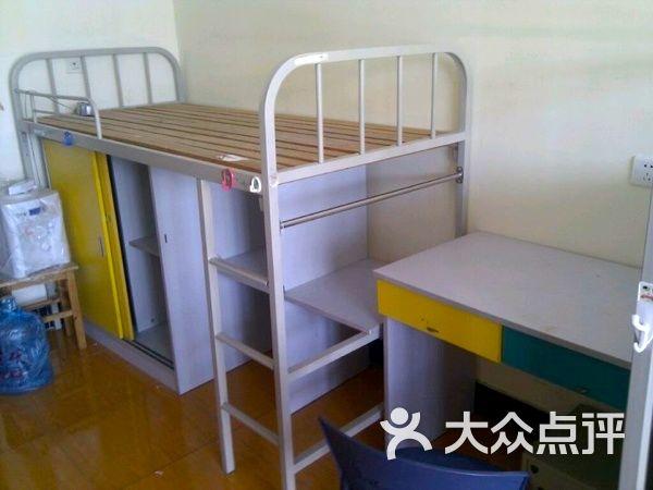 宿舍床 工业设计手绘