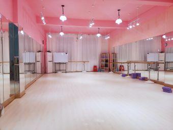 潮尚童模舞蹈艺术培训学校