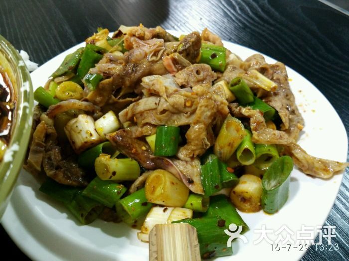 陈记双流蘸水副食(东路战旗店)火腿肠是粮油类还是肥肠类图片