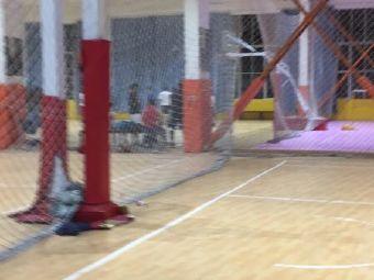 恩宁篮球公园