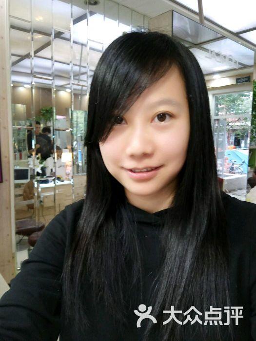 米琳颜色:中分染的短发很漂亮,发型师文.北京晶哥造型头发图片