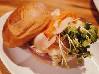 Umami Burger & Umamicatessen Los Angeles