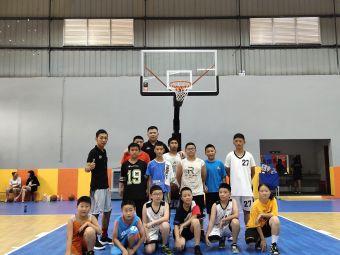 标杆体育·旋风小子篮球训练营