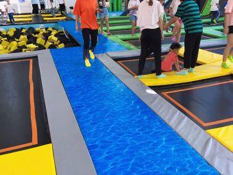 康达水立方游泳健身中心