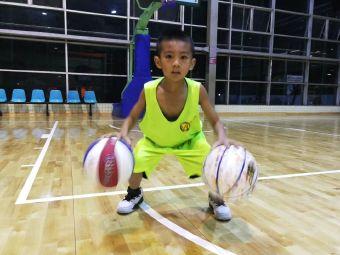 莱特体育青少年篮球培训
