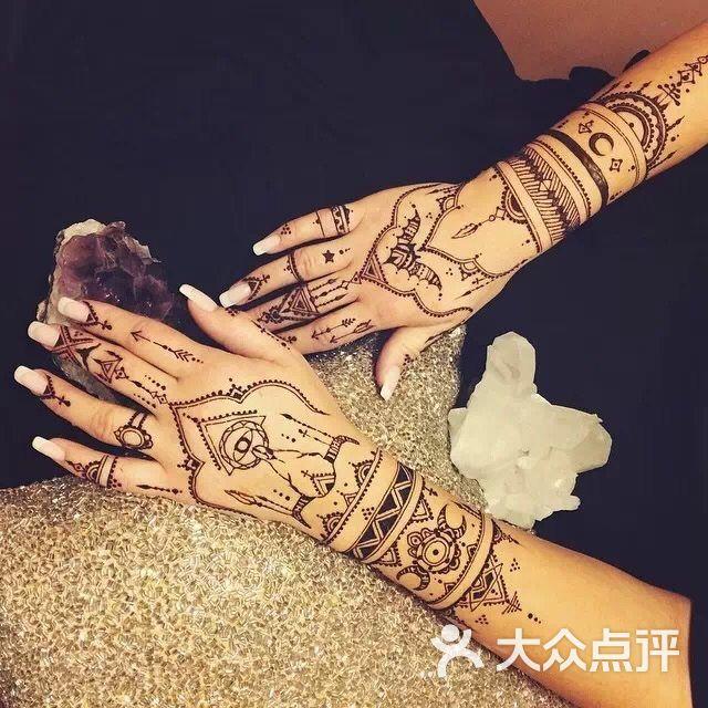 角角海娜手绘纹身