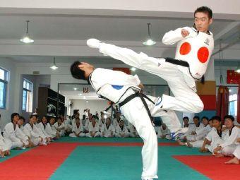 尚武散打跆拳道武术馆