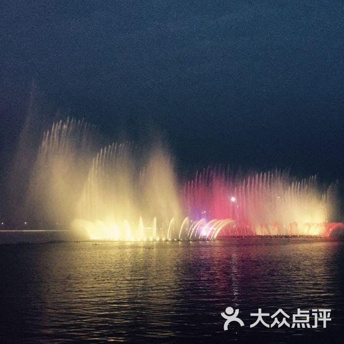 双鹤湖中央公园