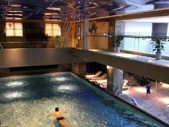 文博中学游泳馆