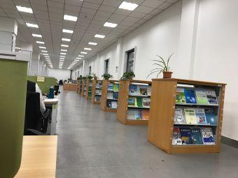 吉林大学朝阳校区图书馆