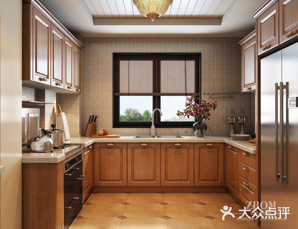 志邦厨柜(真北旗舰店)  价格(每延米): 2000-2500元 风格: 欧式田园