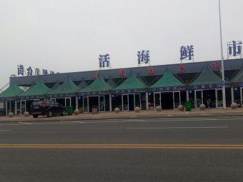 大泉沟海鲜美食街停车场