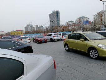 胜大超市黄河路店-停车场