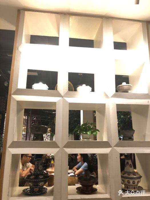 山区车库在停车悦城,楼下有美食,祈年方便.-东铜仁地址店铺万图片