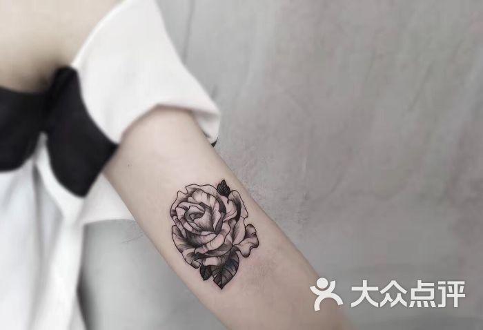 小刀纹身图片 - 第3张图片