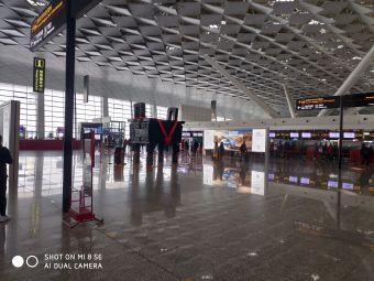 郑州新郑国际机场T1停车场