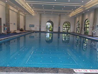 富力湾海洋之星会所游泳馆
