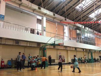 明星篮球培训学校